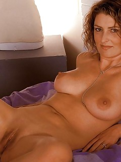 Shaved MILF Pics